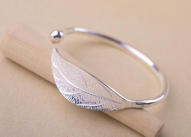 Fashion Open Cuff Leaf Shaped Bangle