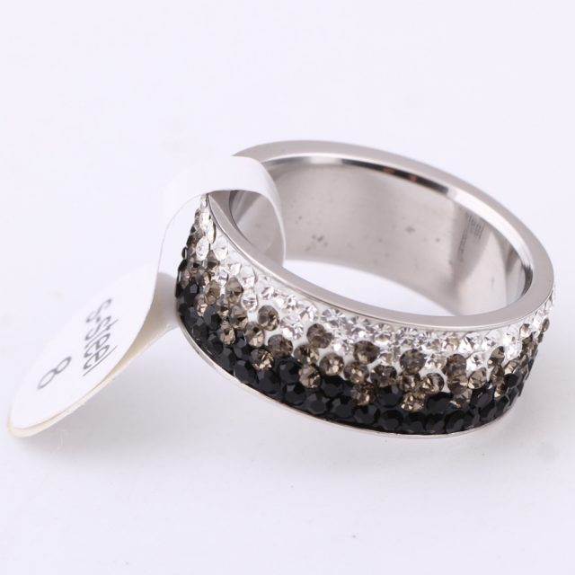 Women's Elegant Crystal Ring