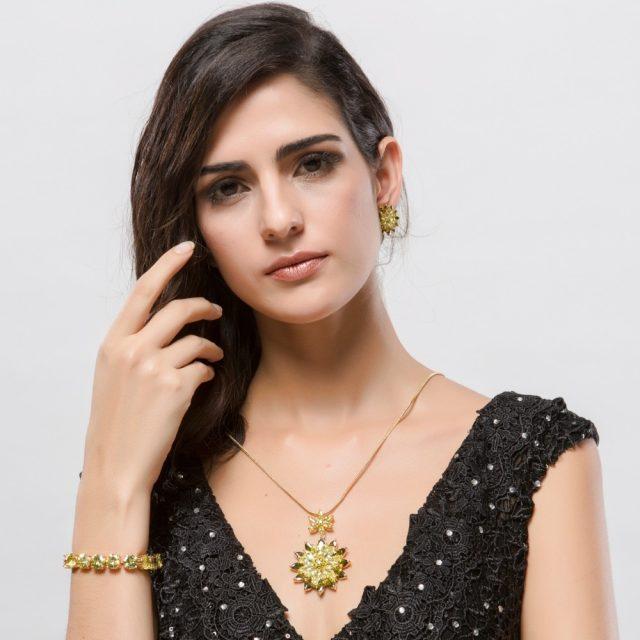 Women's Luxury Big Flower Pendant Necklace